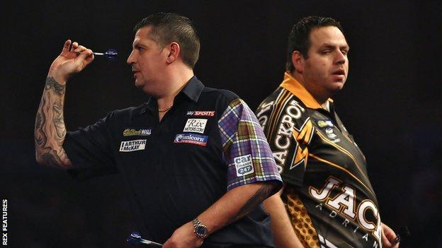 Gary Anderson (left) and Adrian Lewis