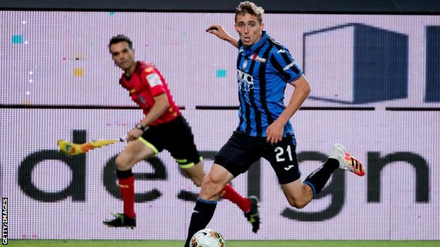 Timothy Castagne playing for Atalanta
