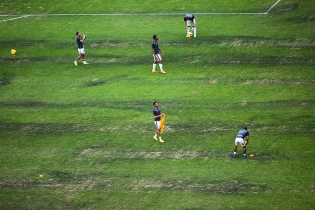 Jugadores en el Estadio Azteca