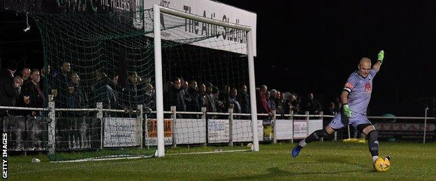 Cray Valley (Paper Mills) fans watch on