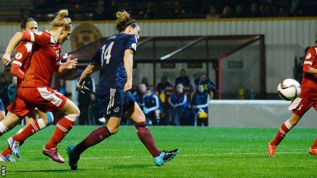 Rachel Corsie scores for Scotland women against Belarus