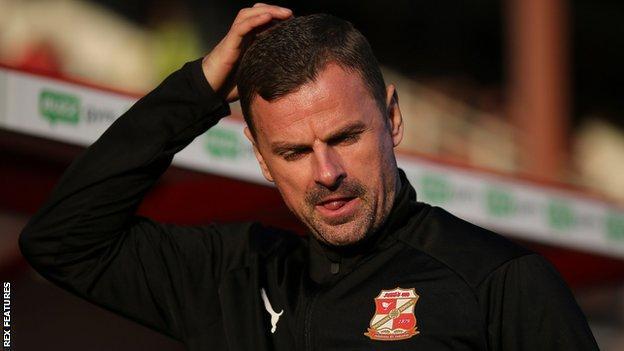 Swindon boss Richie Wellens