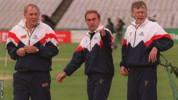 John Edrich: Former England batsman dies aged 83 thumbnail