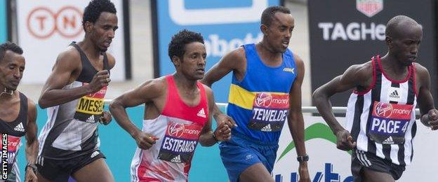 Tsegai Tewelde (blue vest) in the London Marathon