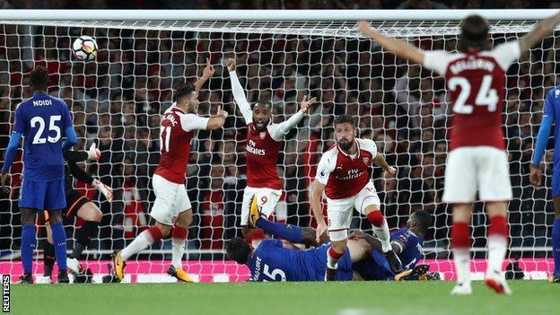Olivier Giroud celebrates Arsenal winner