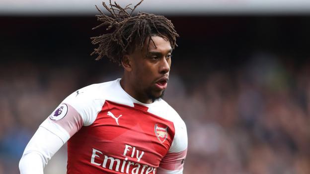 Nigeria's Iwobi moves to Everton from Arsenal
