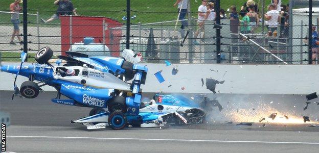 Jay Howard and Scott Dixon crash