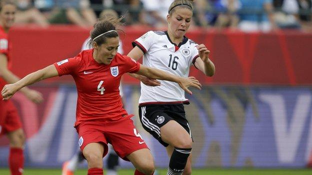 England's Fara Williams (left) and Germany midfielder Melanie Leupolz