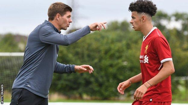 Steven Gerrard coaching Curtis Jones in Liverpool's U18s squad