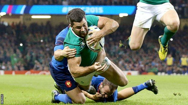 Rob Kearney touches down for a try in the second half