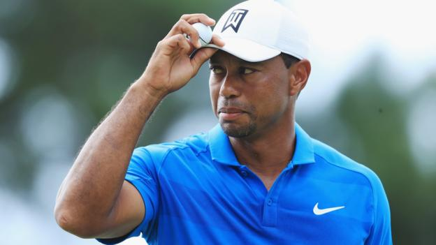 FedEx Cup play-offs: Tiger Woods leads Tour Championship by three shots thumbnail