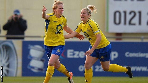 Natasha Dowie playing for Doncaster Rovers Belles