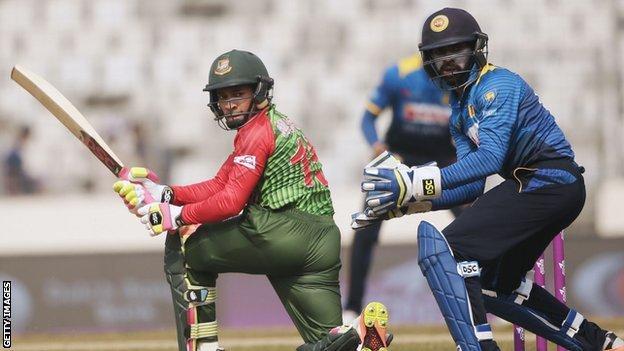 Bangladesh's Mushfiqur Rahim and Sri Lanka's Niroshan Dickwella