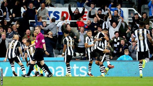 Newcastle Celebrate a goal against Norwich