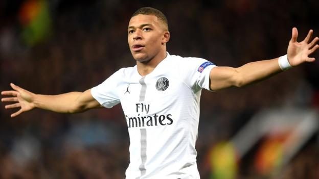 a001da7a800 Man Utd 0-2 PSG  Kimpembe and Mbappe earn win for PSG - BBC Sport