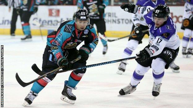 Braehead's Cody Carlsson tries to put the block on Belfast's Chris Higgins in Saturday's game