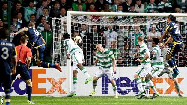 Fernandao scores for Fenebahce against Celtic