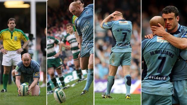 Martyn Williams' penalty kick