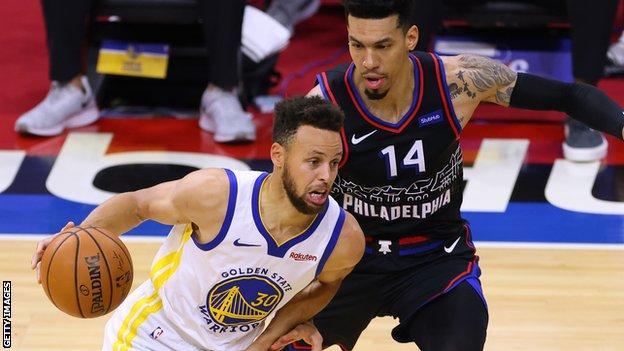 NBA: Golden State Warriors coach Steve Kerr hails Stephen Curry scoring streak after win over 76ers thumbnail