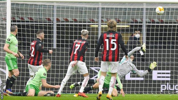 Samu Castillejo equalises for AC Milan at San Siro