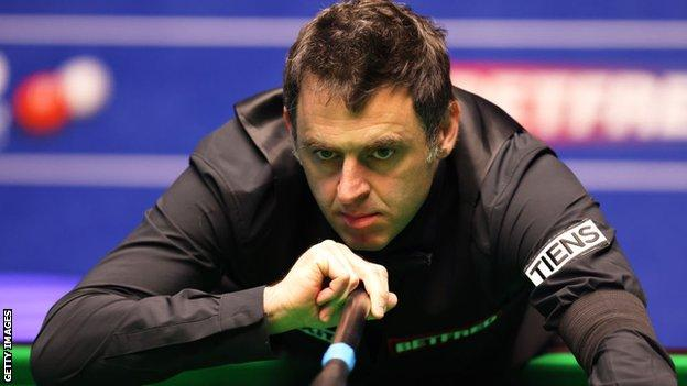 Ronnie O'Sullivan in action at the 2021 World Championship