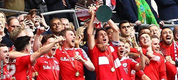Barnsley celebrate winning the 2016 Football League Trophy