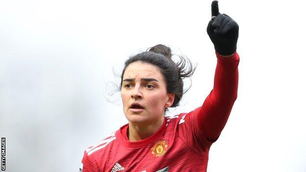 Jess Sigsworth en acción para el Manchester United Women