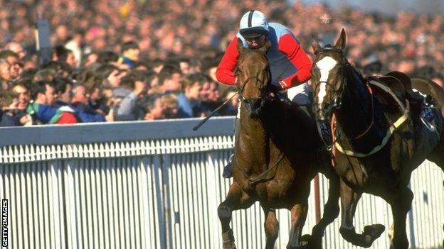Jimmy Frost wins the 1989 Grand National on board Little Polveir
