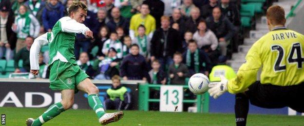 Steven Fletcher scores his first senior goal for Hibernian in 2004