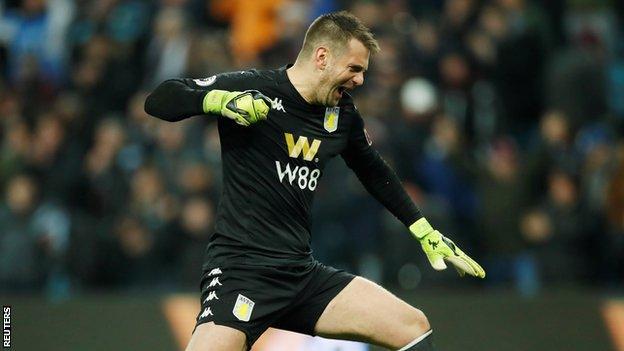 Tom Heaton celebrates against Norwich