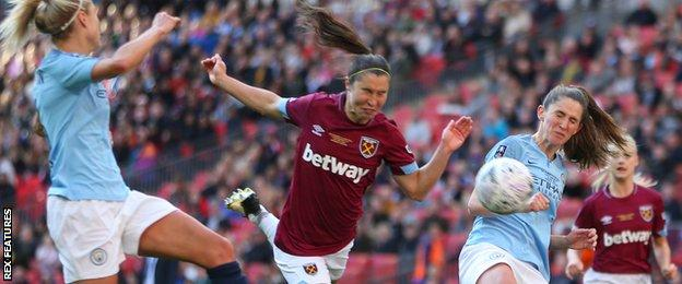 Jane Ross' header was the closest West Ham came to a goal