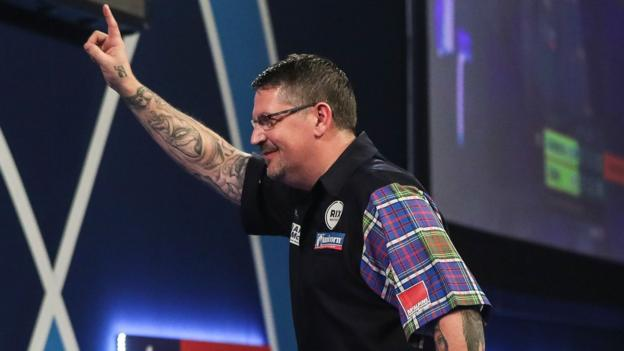 PDC World Darts Championship: Gary Anderson reaches quarter-finals after thrilling win thumbnail
