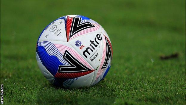 EFL ball for the 2020-21 season