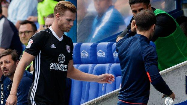 Tomas Kalas sent off for Fulham against Reading