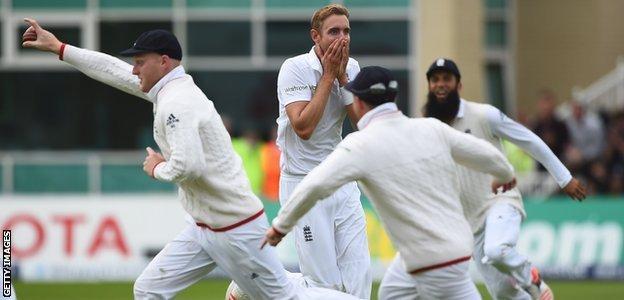 England celebrate Ben Stokes' wonderful catch off Stuart Broad's bowling to dismiss Adam Voges