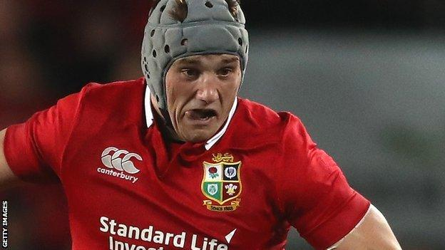 Jonathan Davies in action for the Lions