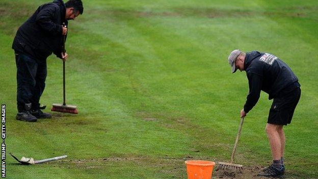 Only the Gloucestershire groundstaff saw much action at Nevil Road