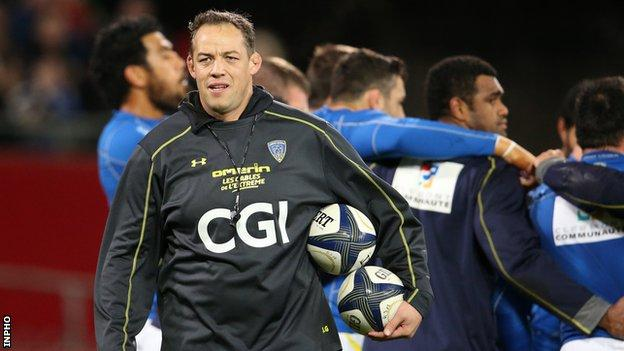 Gibbes has previous experience of Top14 rugby after three seasons as forwards coach with Clermont Auvergne