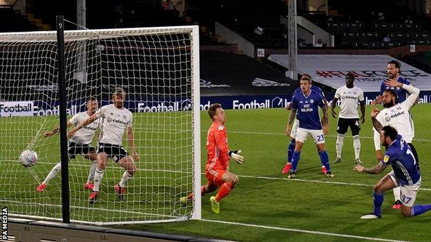 Lee Tomlin scores for Cardiff