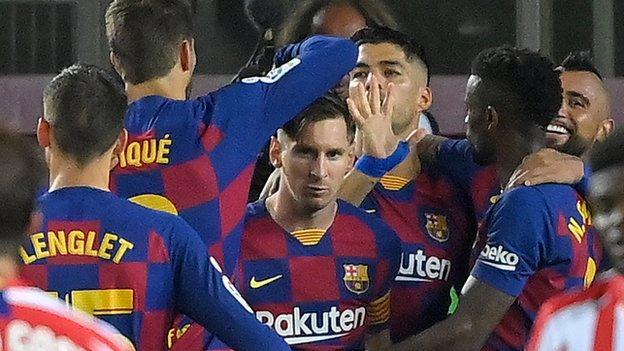 Messi scores landmark 700th career goal thumbnail