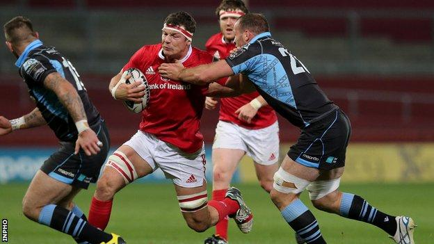 Robin Copeland and James Eddie in action at Thomond Park