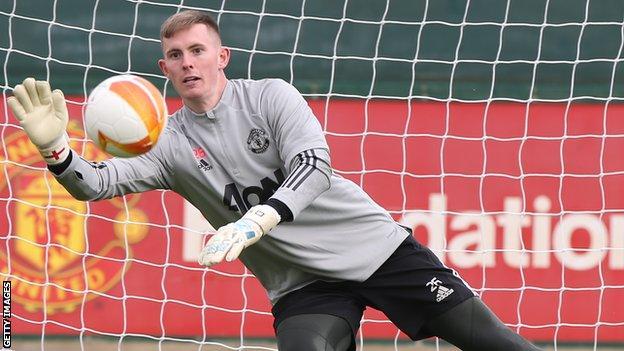 Manchester United goalkeeper Dean Henderson in training
