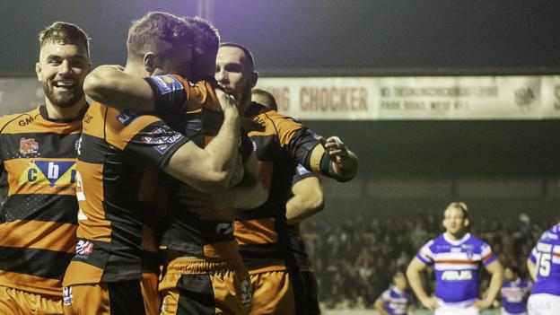 Super League: Castleford Tigers 28-26 Wakefield Trinity thumbnail
