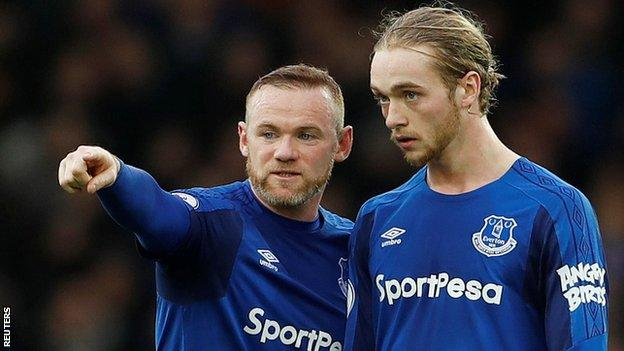 Wayne Rooney kept Everton ticking in midfield. His intelligent use of the ball complemented the work ethic of Idrissa Gueye. Both men played 46 passes - an Everton high - with Rooney completing 85%. Theo Walcott and Gylfi Sigurdsson both also impressed but Rooney steered the home side and helped them keep control when they had the lead