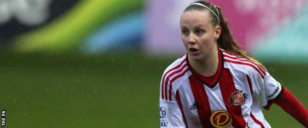 Beth Mead in action for Sunderland