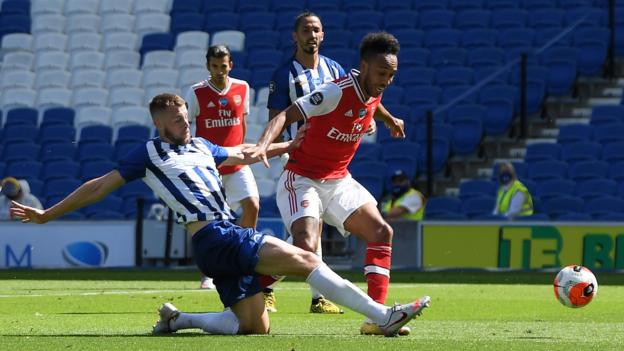 Brighton 2-1 Arsenal: Maupay stuns Gunners with late winner thumbnail