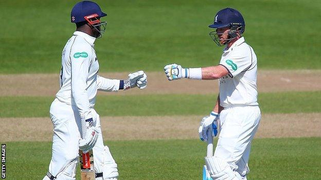 Keith Barker (left) and skipper Ian Bell shared a 95-run stand