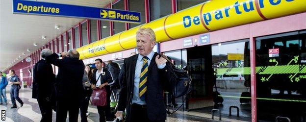 Gordon Strachan arrives in Portugal
