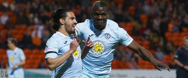 Ryan Edwards (left) celebrates scoring for Thistle