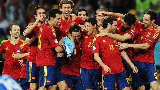 Spain celebrate at Euro 2012